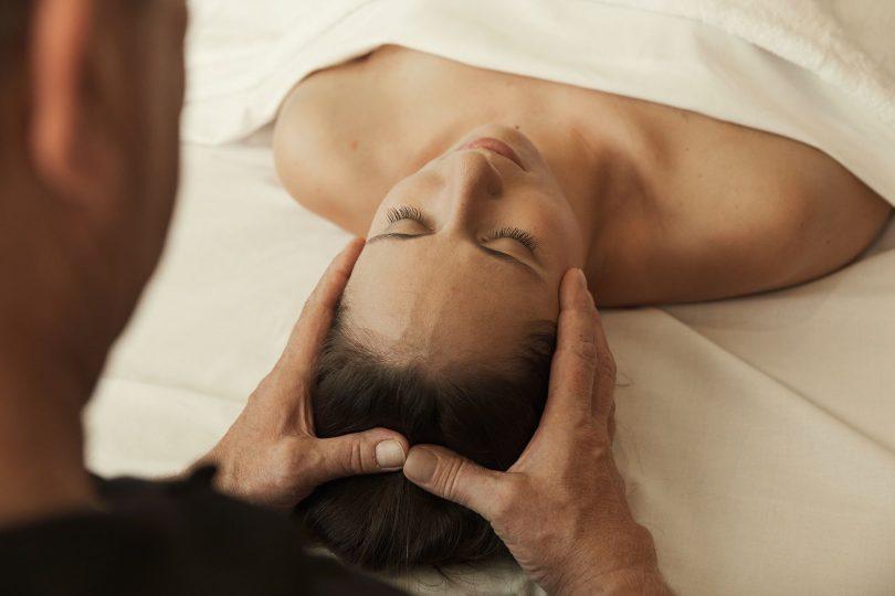 Aromaölmassage mit Gesichtsmassage im Syltness Center
