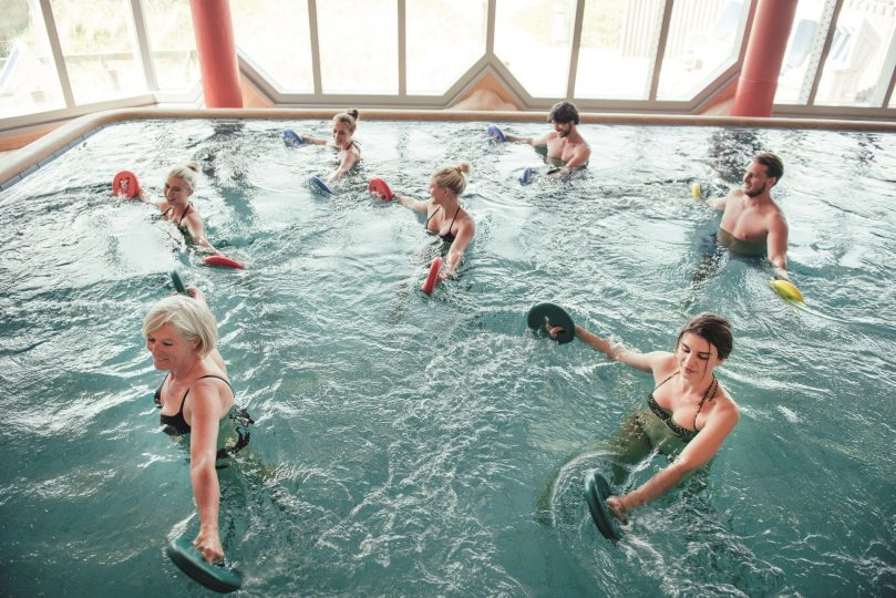 Gruppentherapie im Thermalbad des Syltness Centers