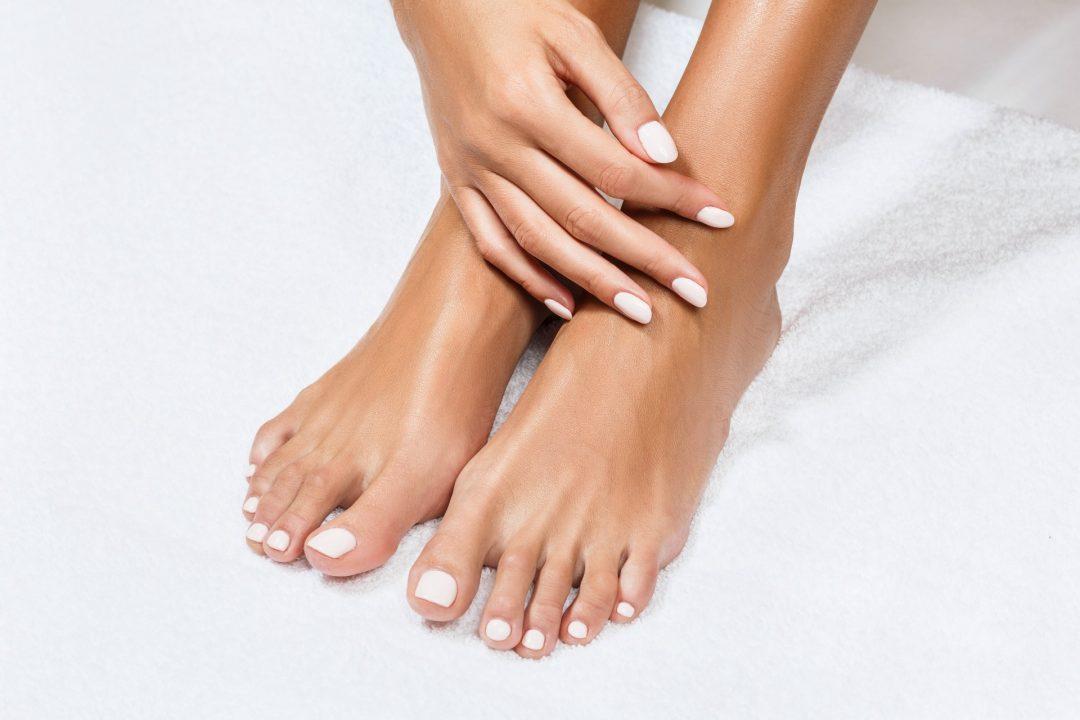 Fußpflege mit Lack im Syltness Center